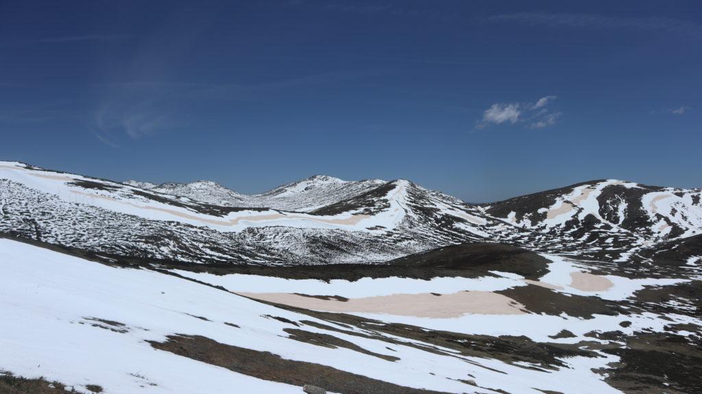 Aufstieg zum Mount Kosciuszko Schneelandschaft